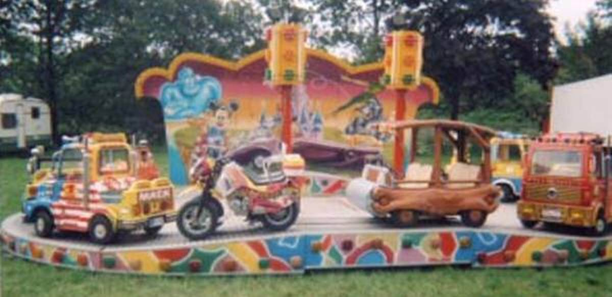 Formula One fairground ride
